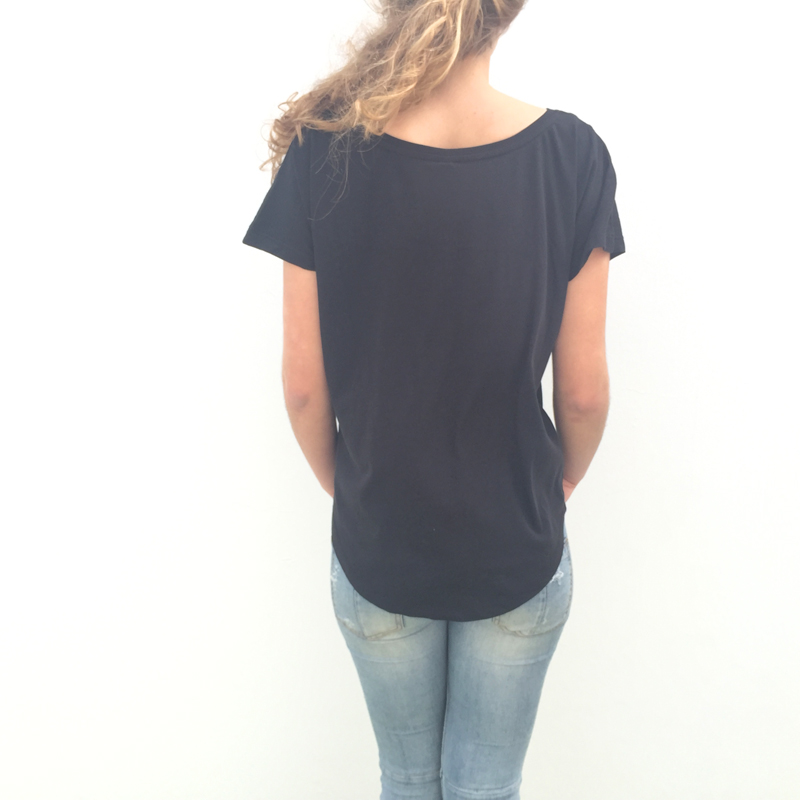 Cotillo wave tshirt woman - back model