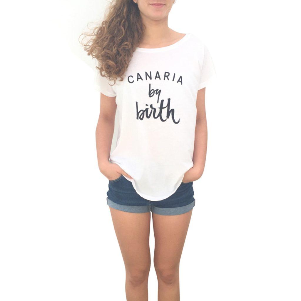 Canaria by birth negro frontal mujer camiseta