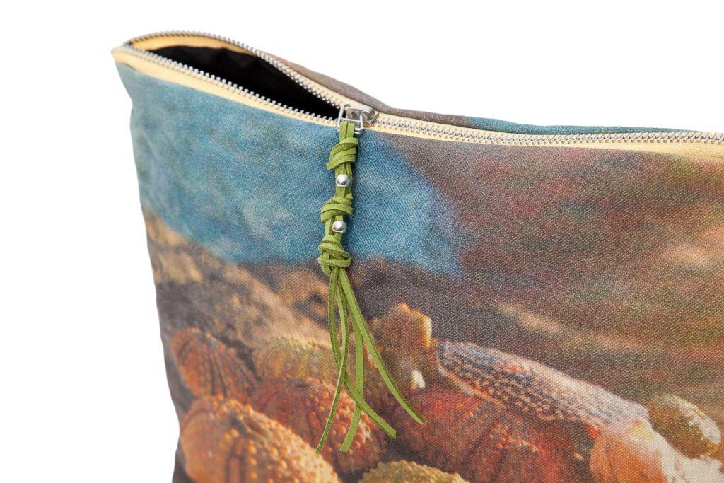 Conchas de erizos detalle2 pouch
