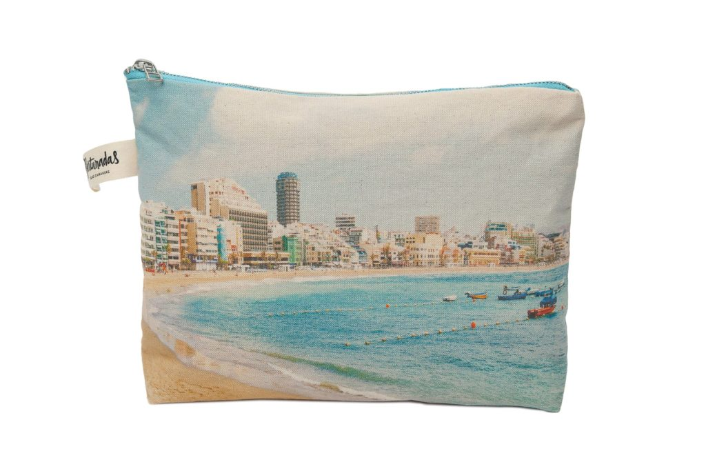 Las Canteras frontal pouch