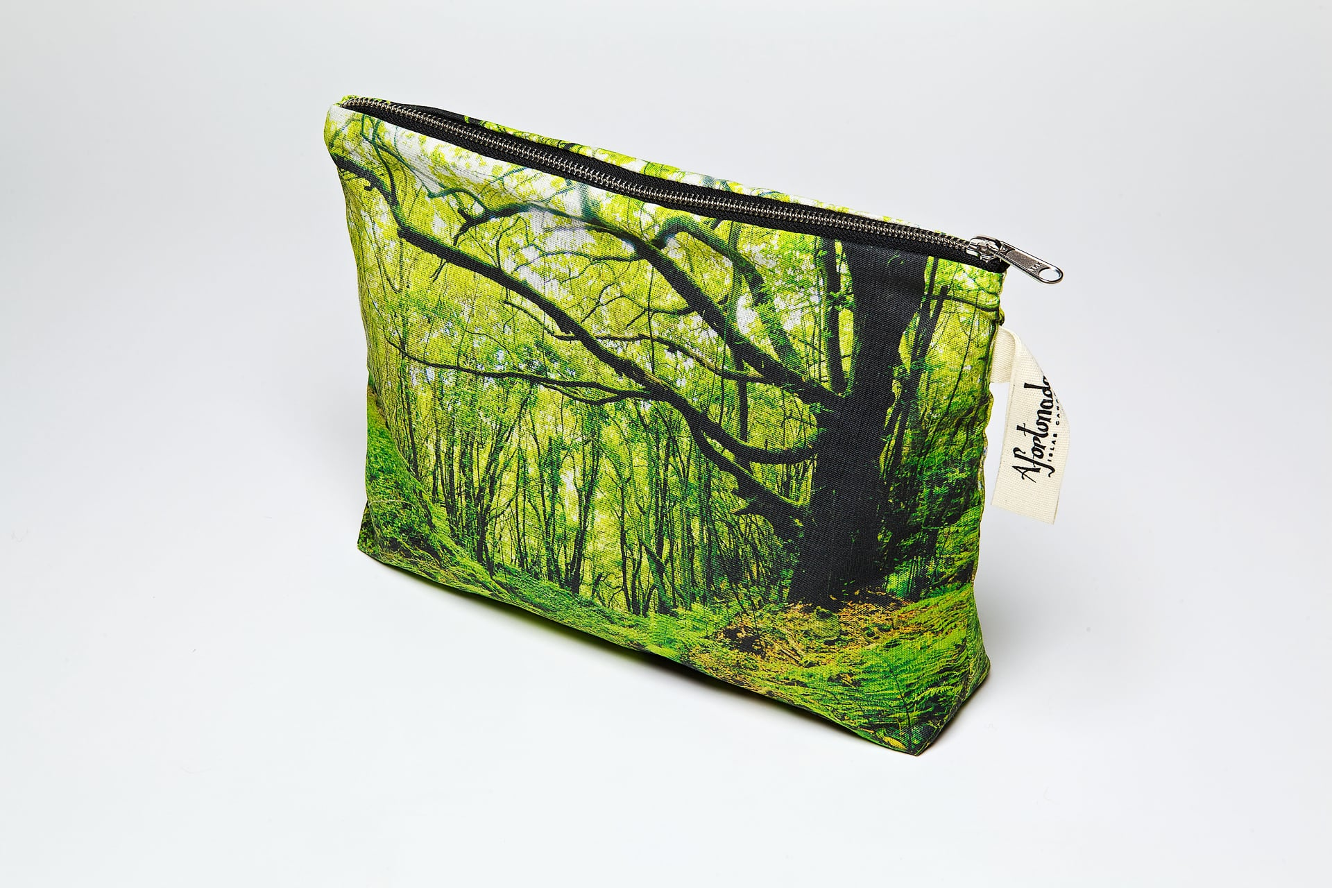 Los_Tilos_forest-side-pouch