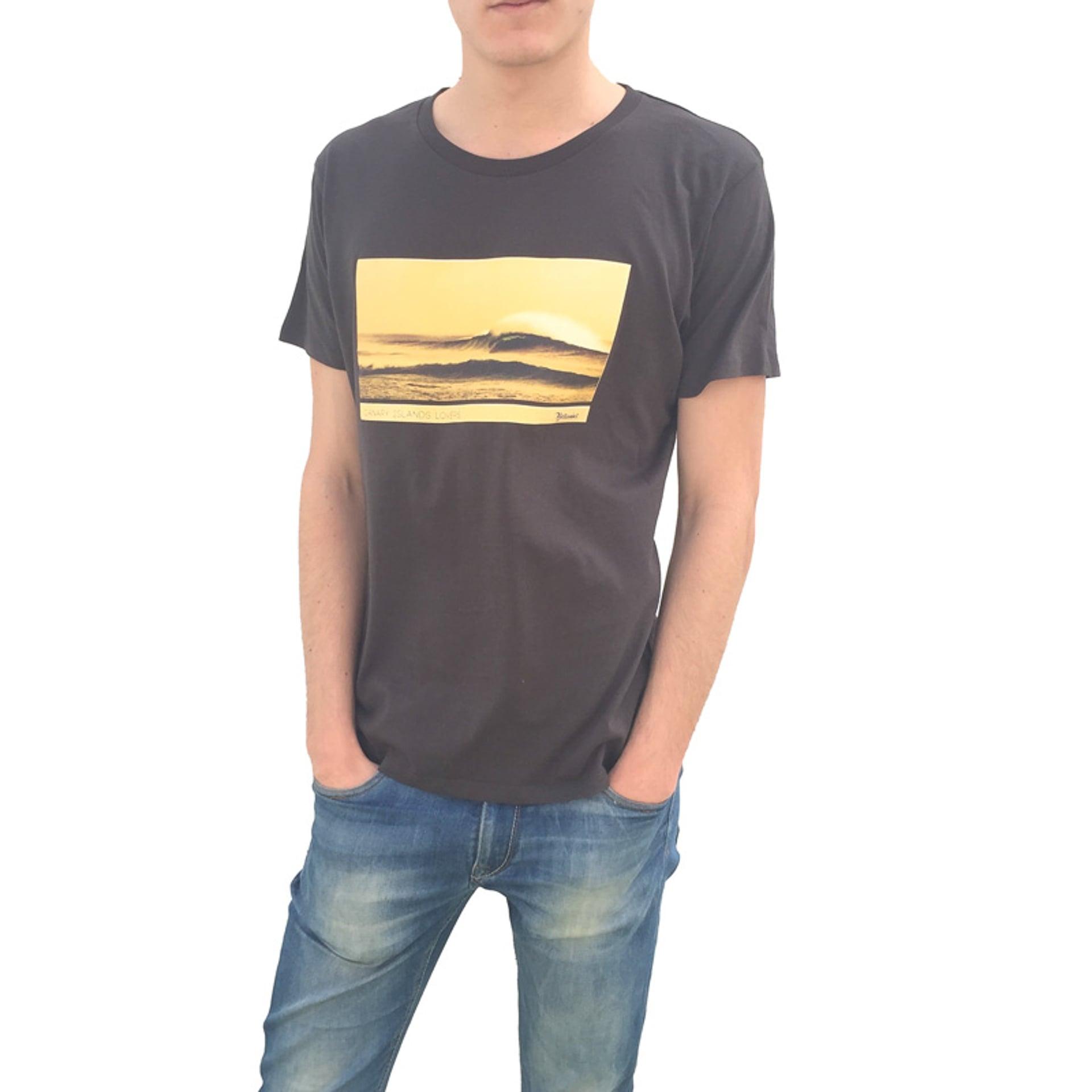 El Cotillo wave man front tshirt