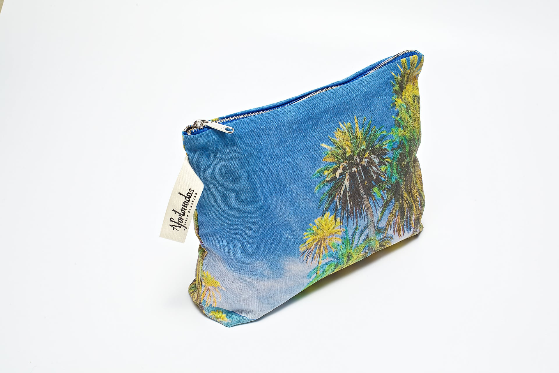 Palm_trees_in_the_night_side_pouch