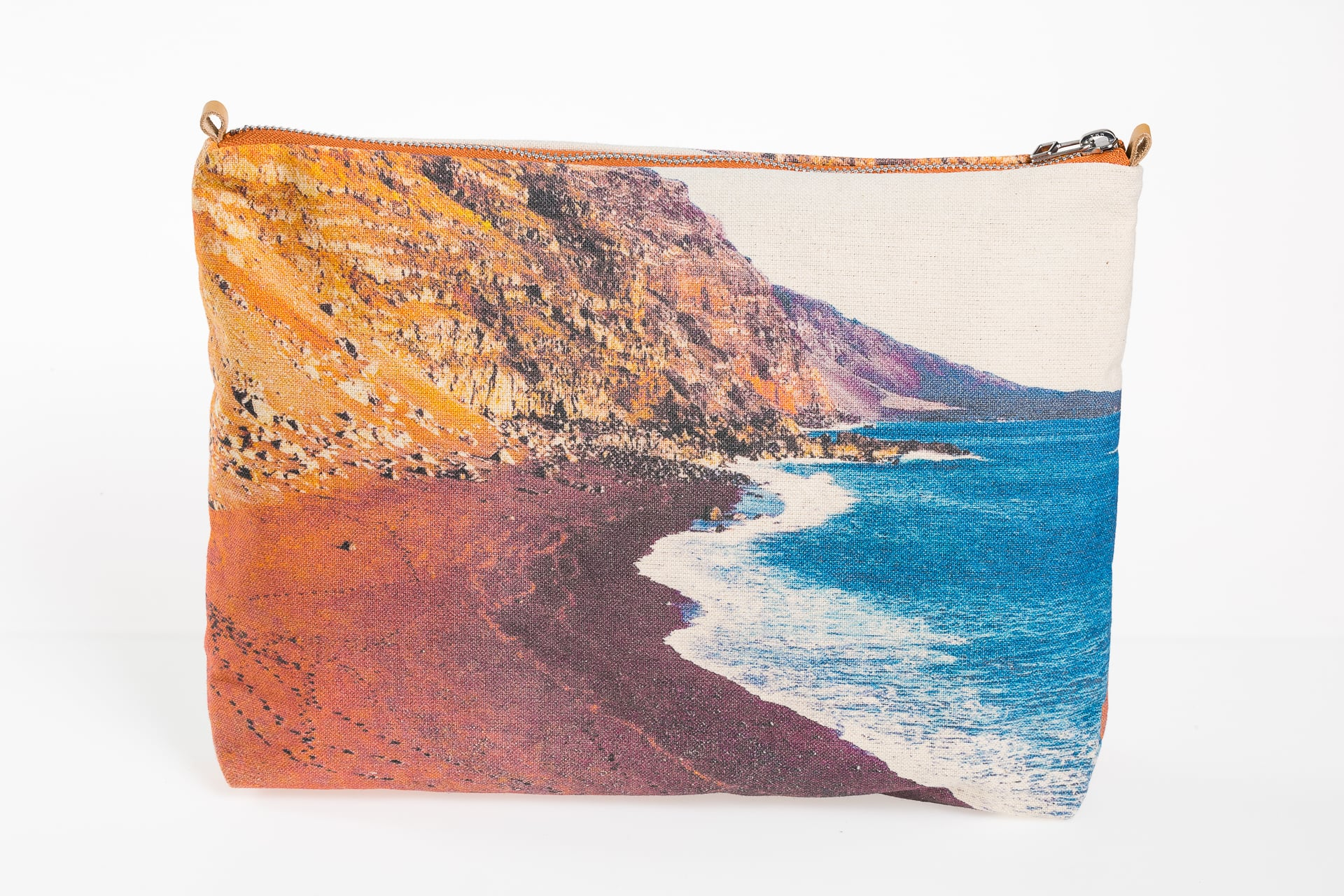 Red beach El Vedoral front pouch