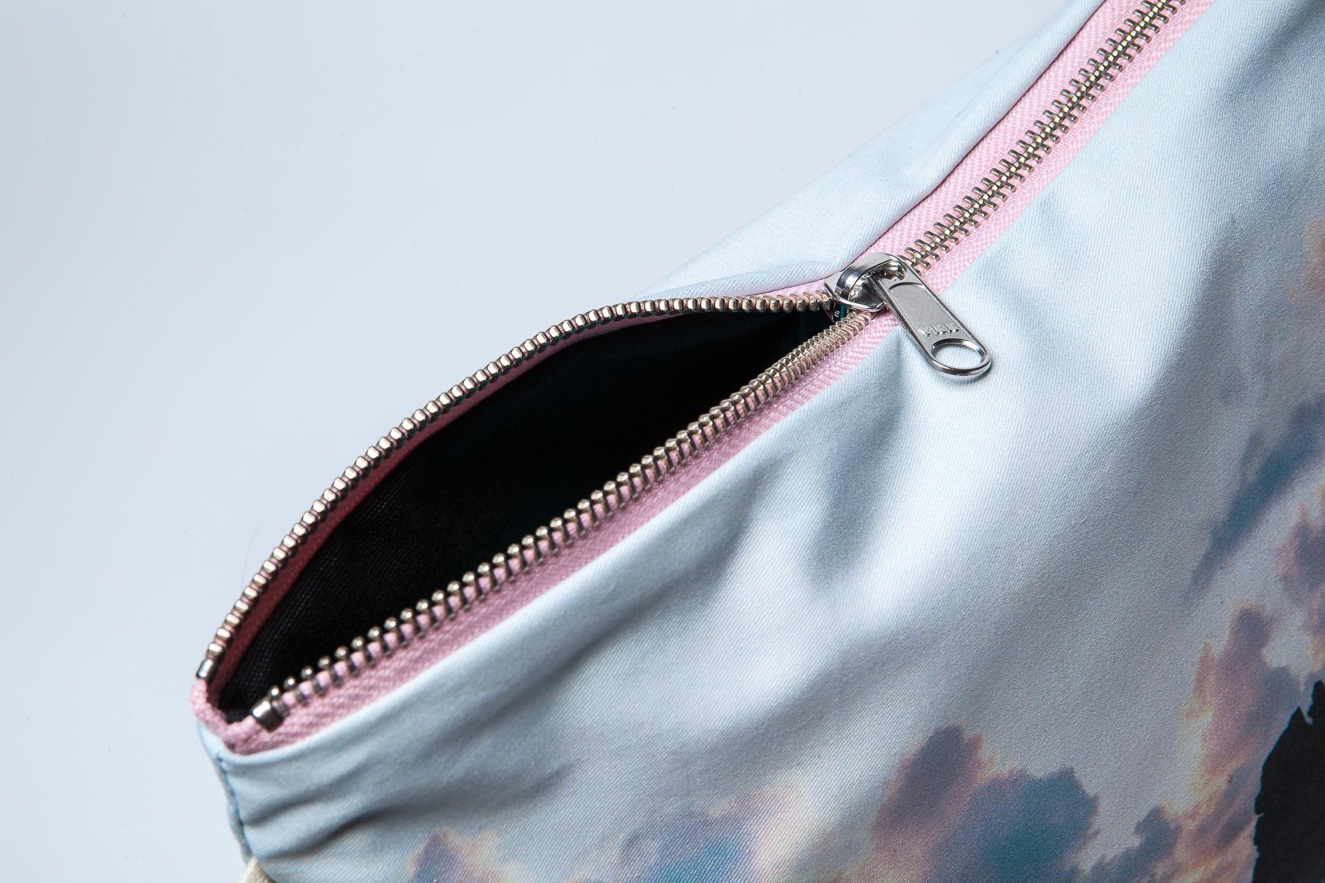 Benijo_beach-detail-pouch