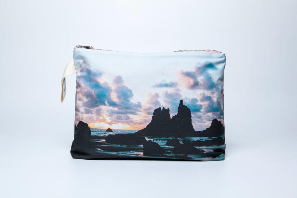 Playa de Benijo frontal pouch