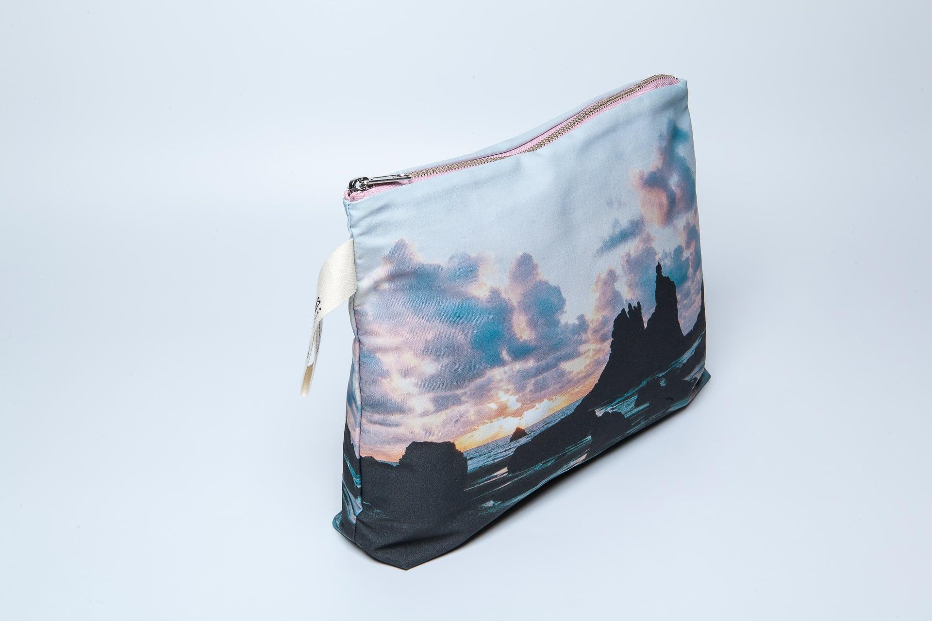 Benijo_beach-side-pouch