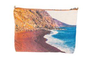 Red beach. El_Vedoral, El_Hierro - Pouch