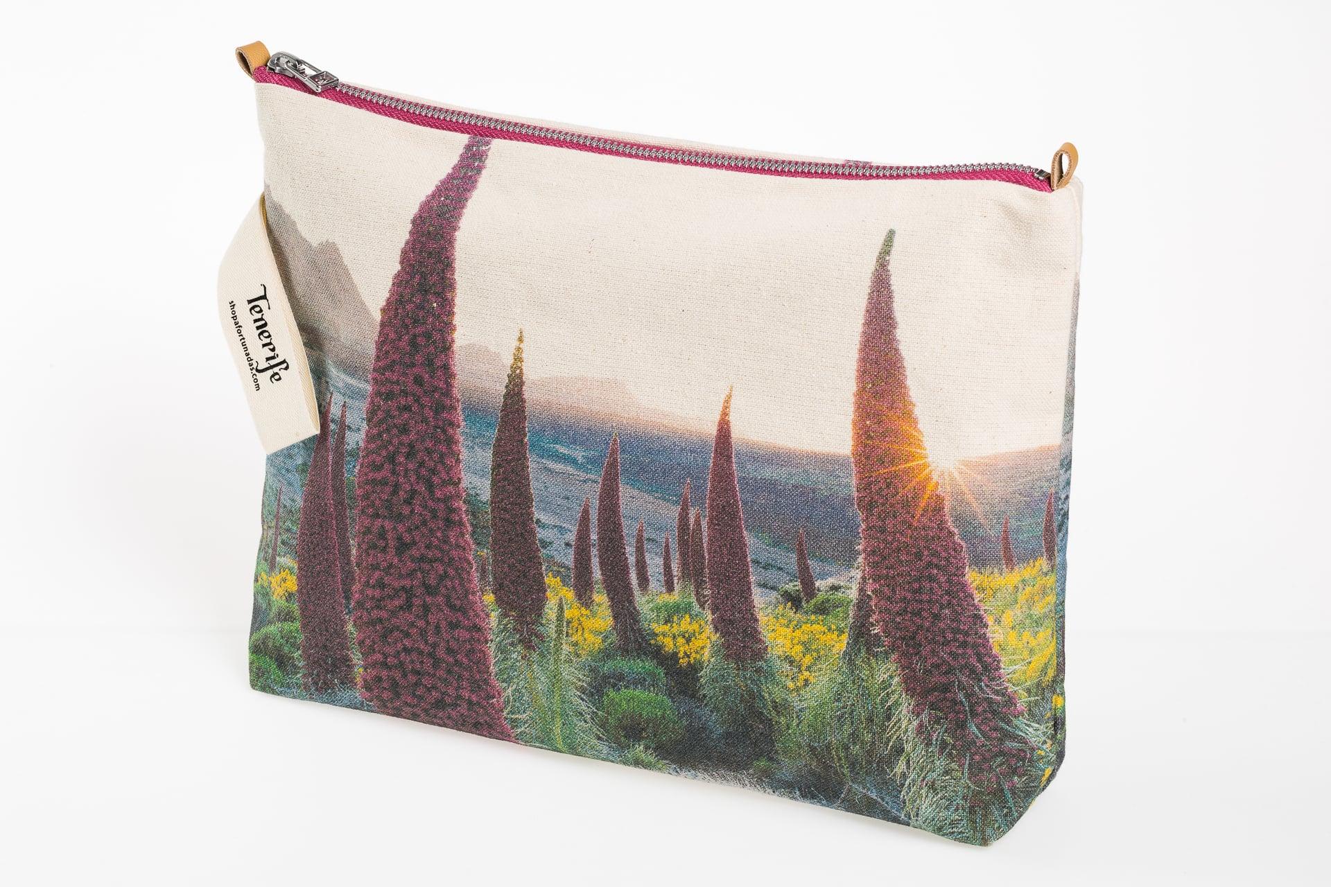 Tajinaste_in_spring-model2-pouch