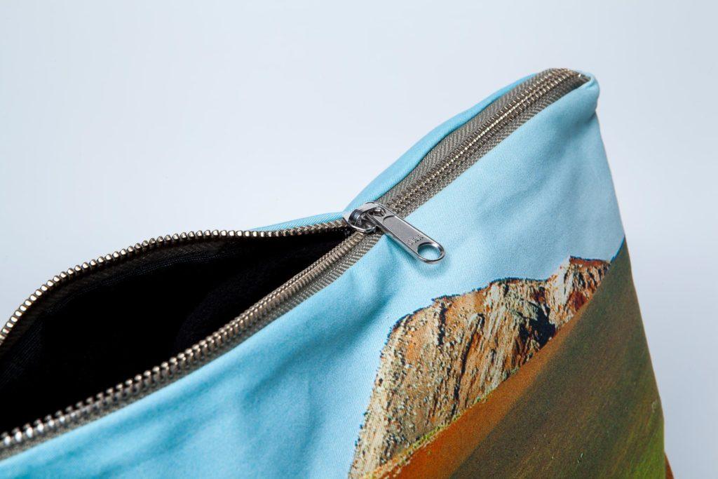 Timanfaya detalle pouch
