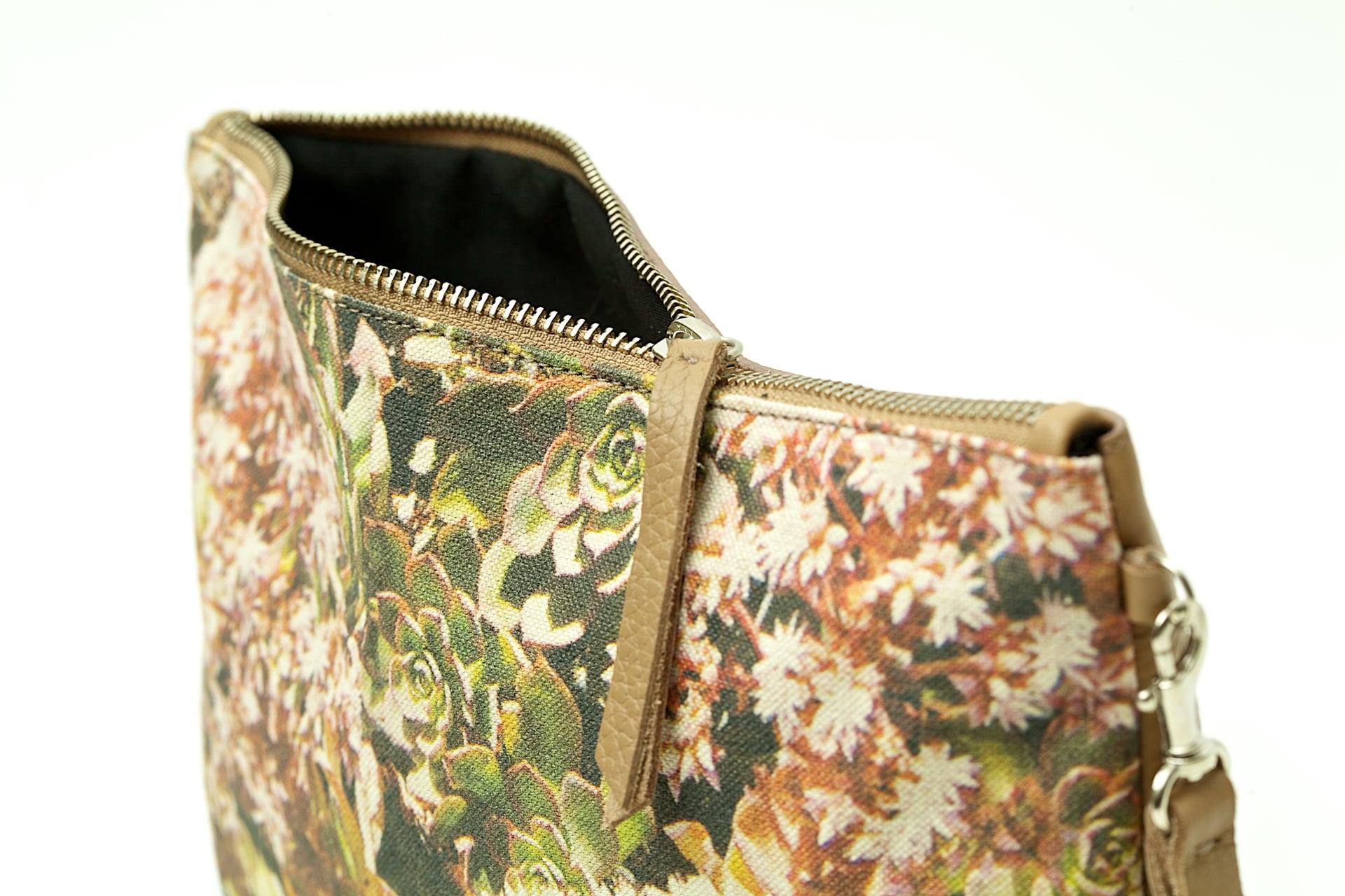 Aeonium-Percarneum-or-Bejeque-Rosado-detail-handbag