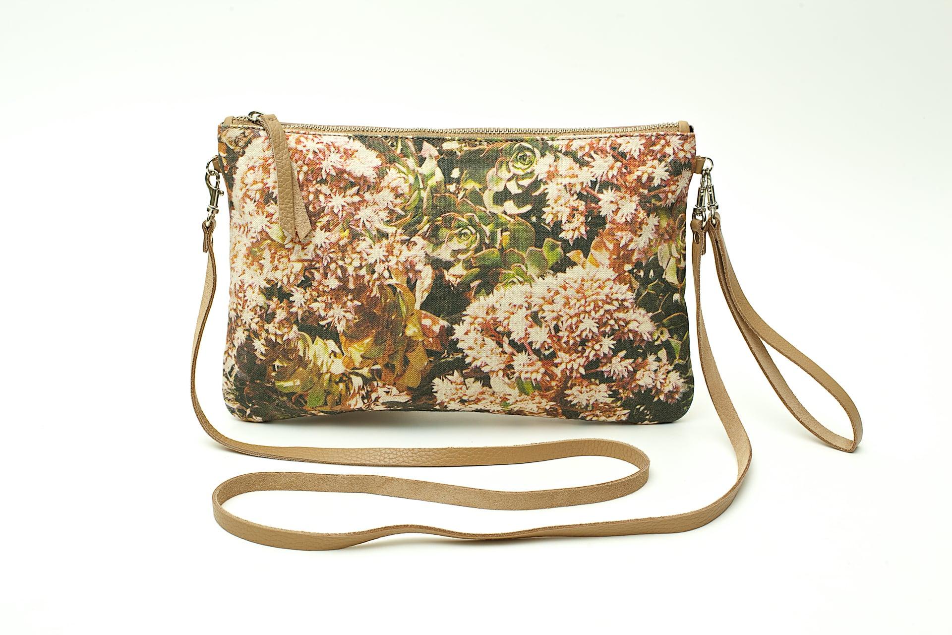 Aeonium-Percarneum-or-Bejeque-Rosado-frontal-handbag