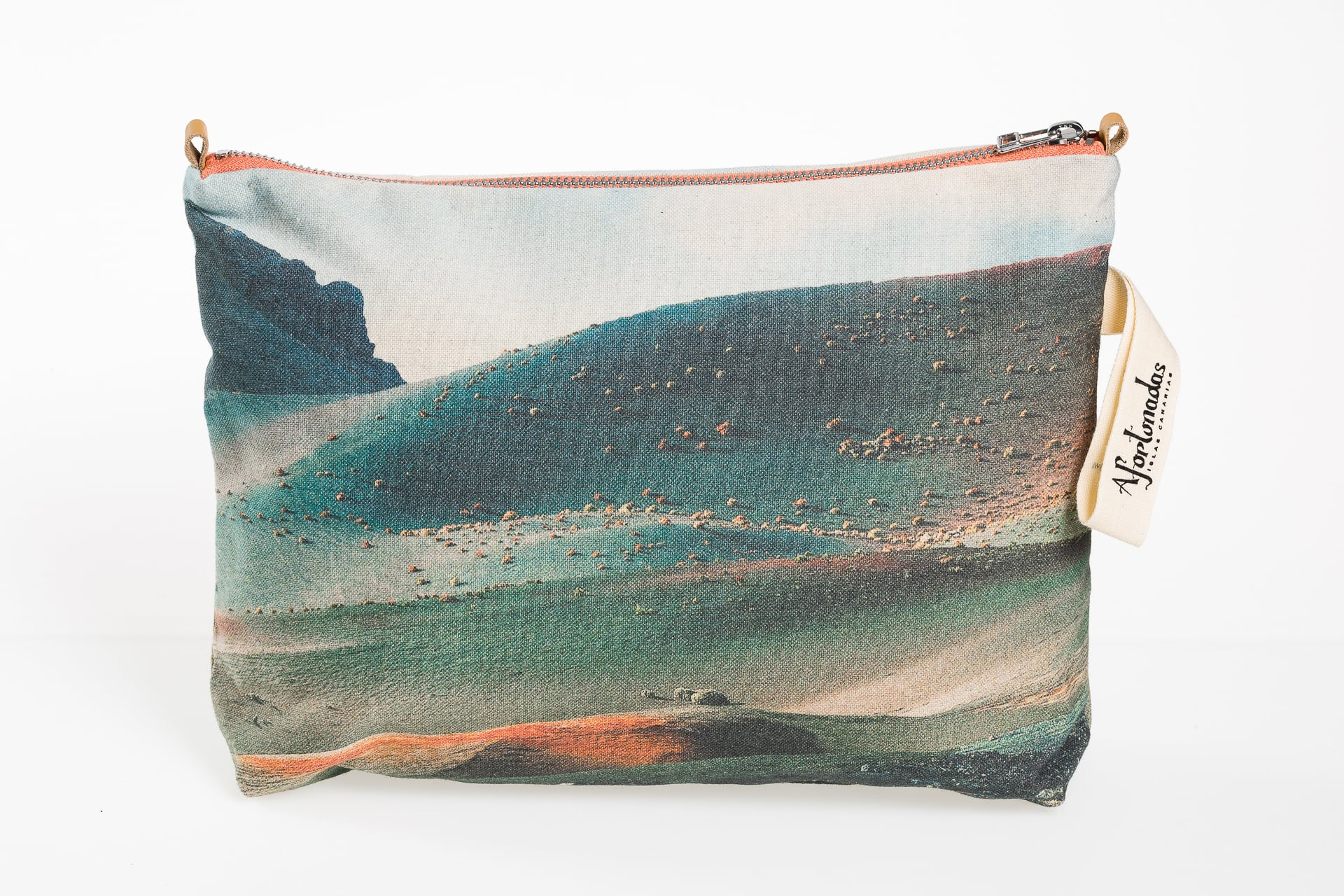 Timanfaya-volcano-frontal-pouch