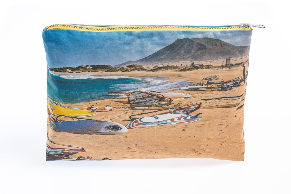 Windsurfing frontal pouch