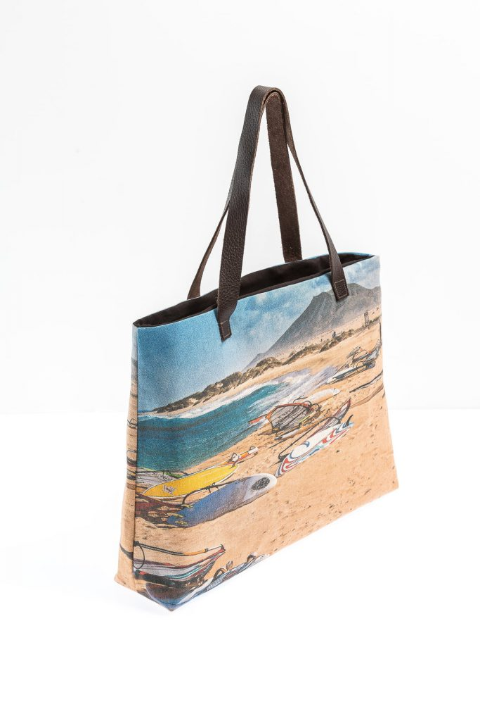 Windsurfing lateral tote
