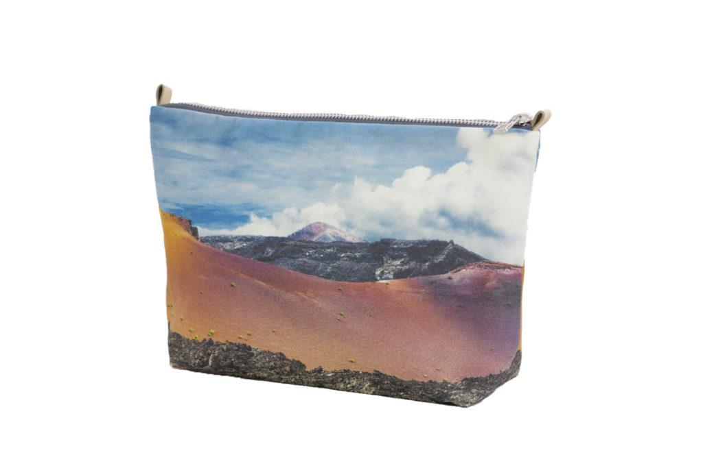 MontañadelFuego lateral minipouch